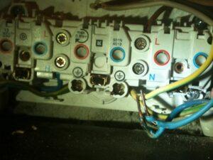 Elektriker vagten 30. Brandt ledning i en stikkontakt klampenborg.